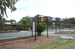 River Village Motel  Holiday Units - Accommodation Melbourne